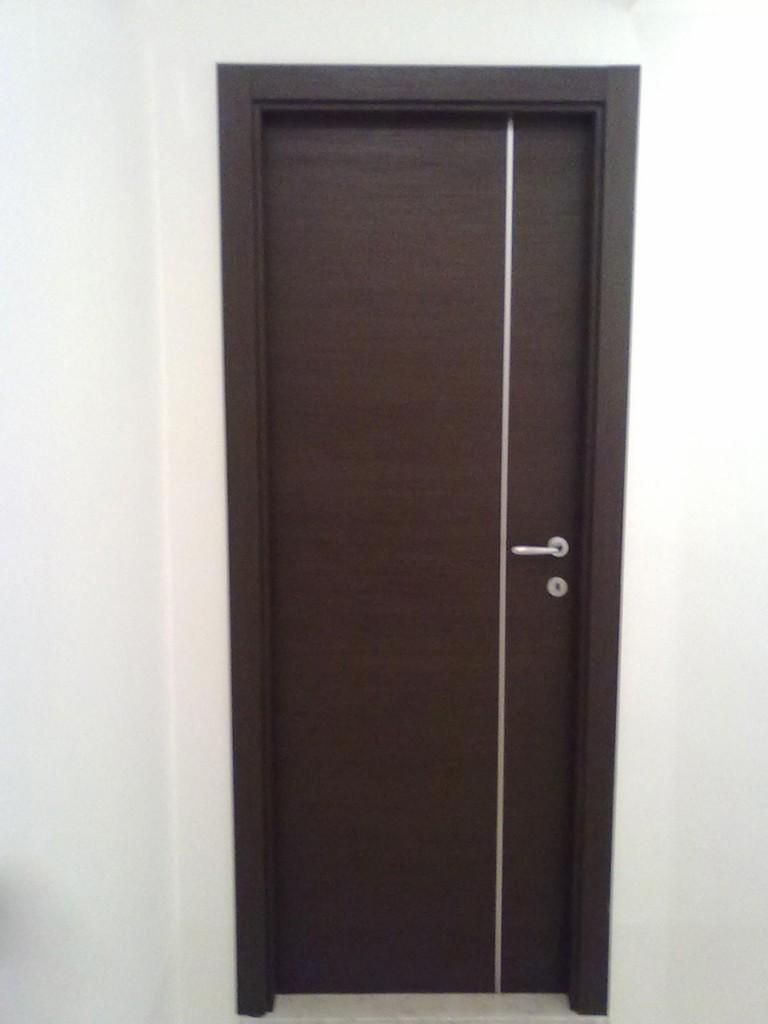 Porta larice marrone con inserto(1)